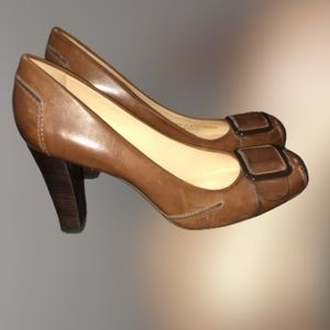 COLE HAAN brown leather squared toe heel